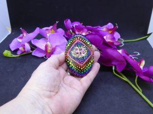 dot painting mandala steen Ohm